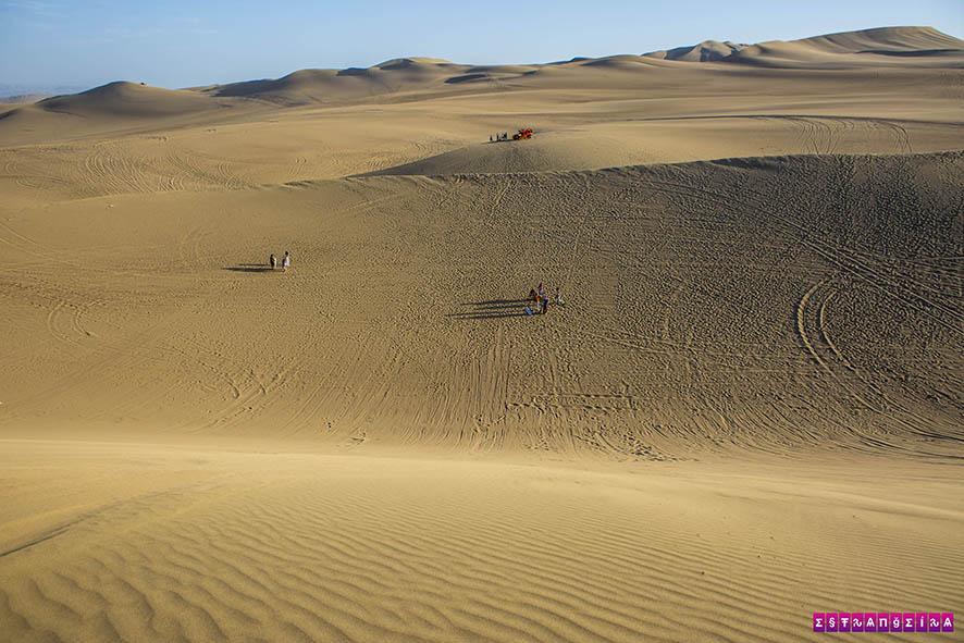 Altas dunas para descer de sandboard!