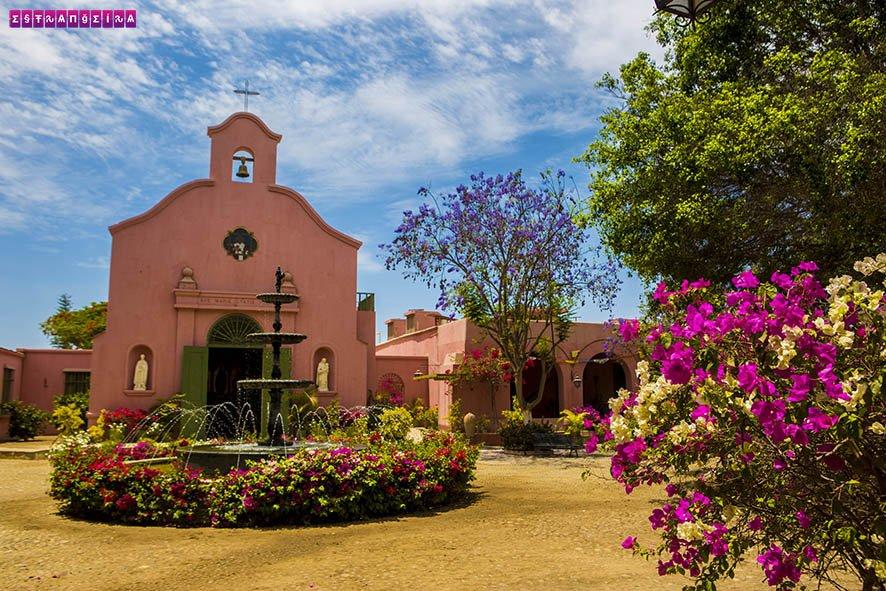 huacachina-ica-peru-vinicola-igreja