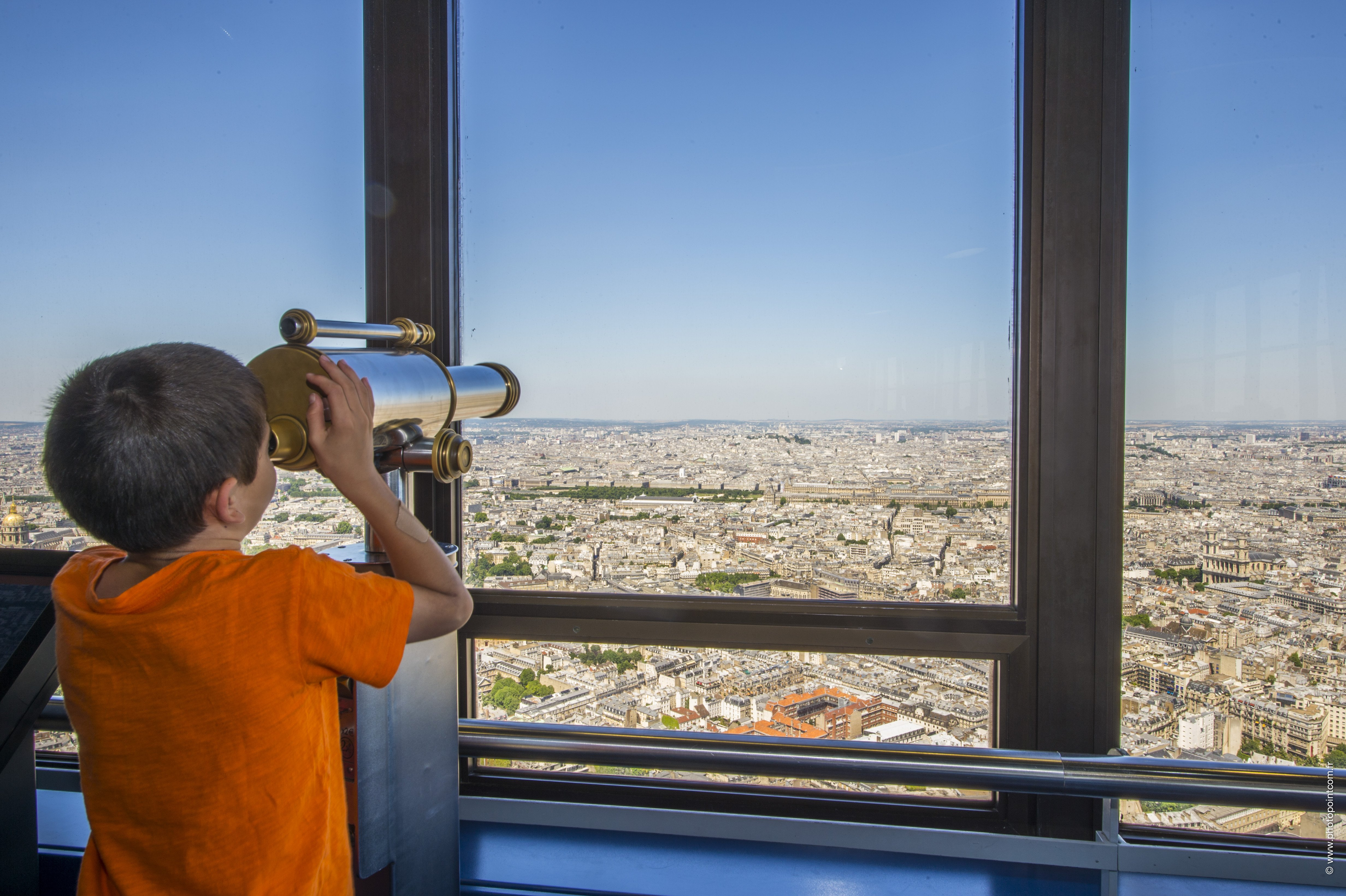interior-torre-montparnasse-paris