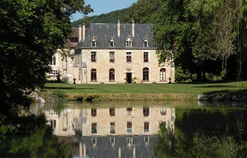 hoteis-em-castelo-na-frança-abbaye-de-la-bussiere