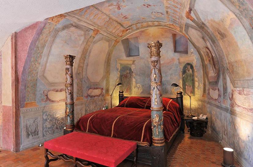 hoteis-em-castelo-na-frança-chateau-bagnols-quarto