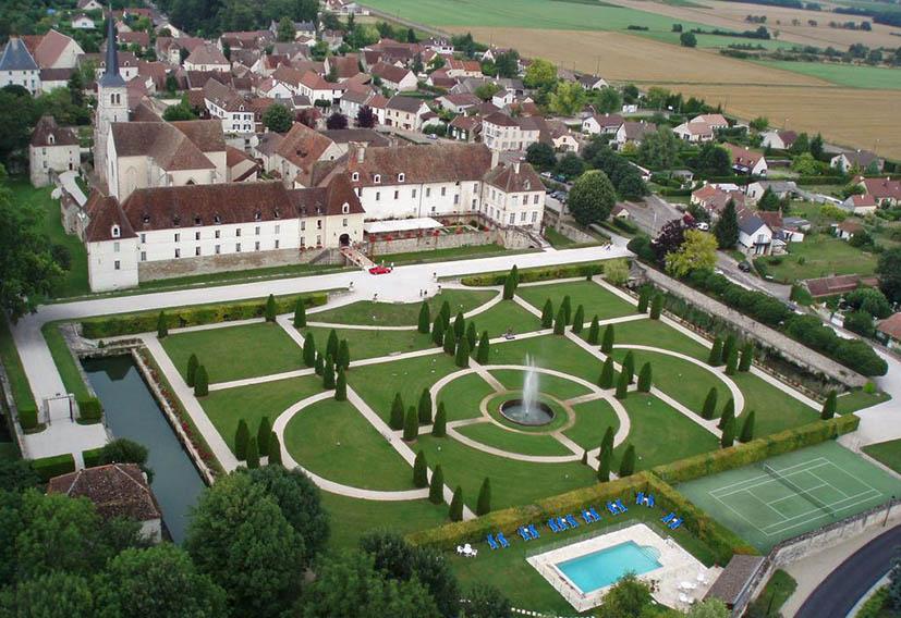 hoteis-em-castelo-na-frança-chateau-de-gilly-2