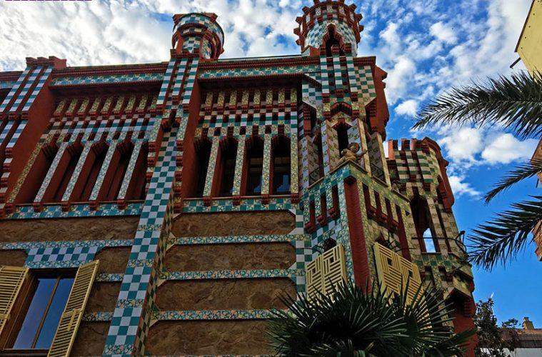 Casas-Vicens-Gaudi-Barcelona-fachada
