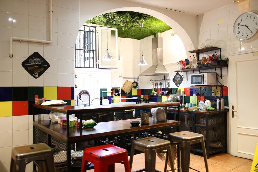 hostel-em-madrid-barato-way-hostel-cozinha