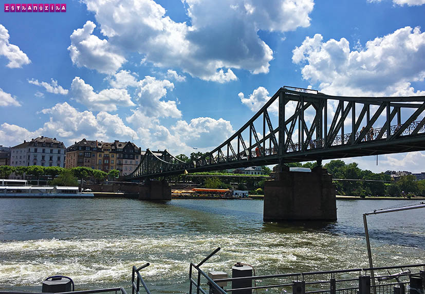 Frankfurt-romerberg-rio-main-ponte-de-ferro