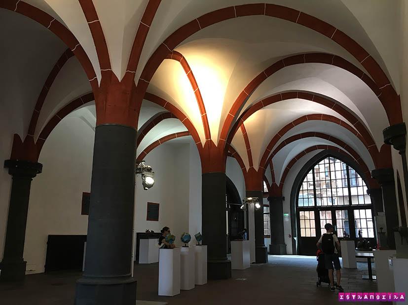 o-que-fazer-em-frankfurt-romerberg-prefeitura