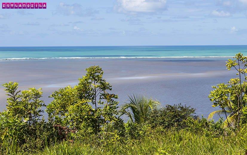 Porto-das-Pedras-Alagoas-farol-vista