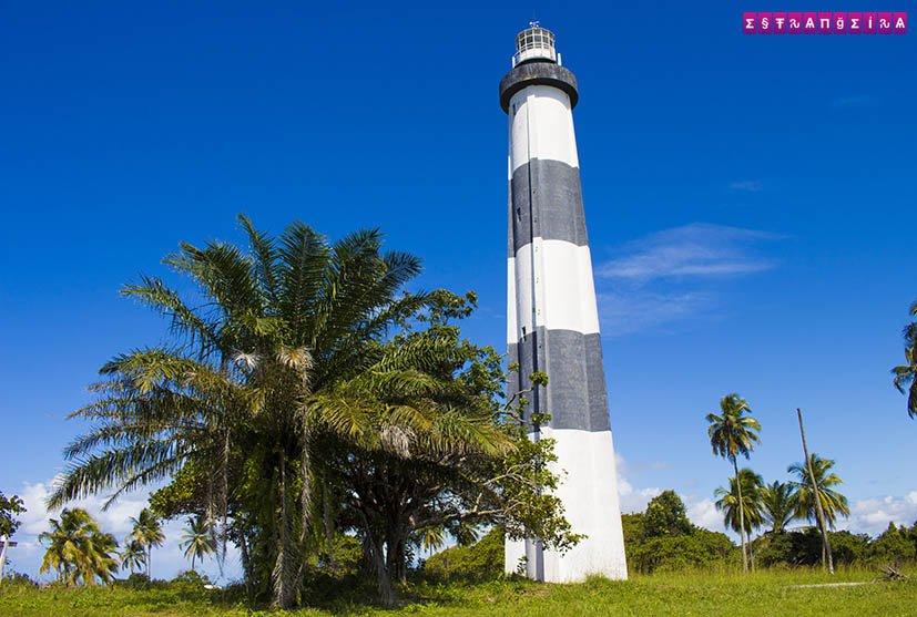Porto-das-Pedras-Alagoas-farol
