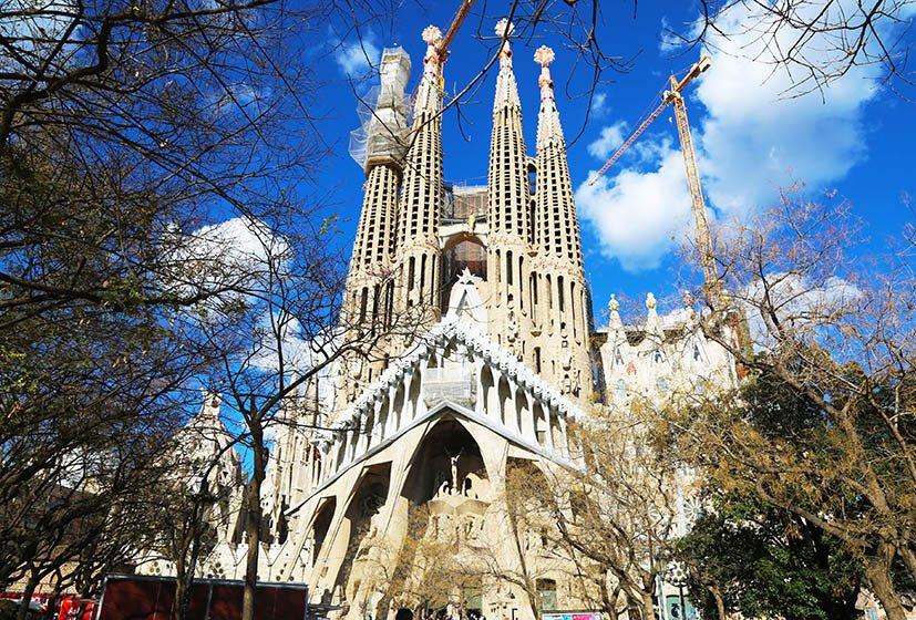 como-ir-de-barcelona-a-madrid-sagrada-familia