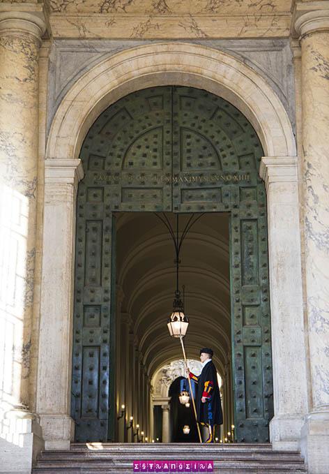 o-que-fazer-em-roma-vaticano-guarda-suica
