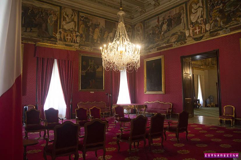 Valletta-Malta-Grandmaster-Palace-sala