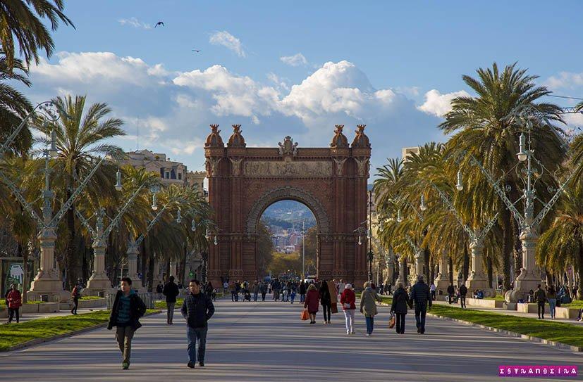 barcelona-na-primavera-arco-do-triunfo