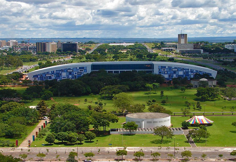 Brasilia-torre-de-tv-vista