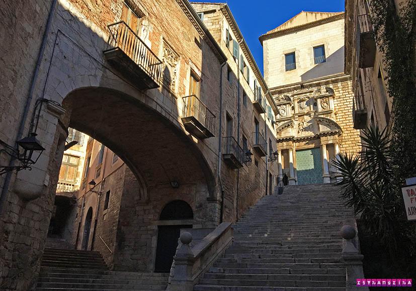o-que-fazer-em-Girona-escada-GOT