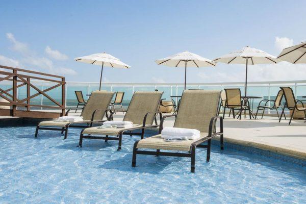 onde-ficar-em-sao-luis-maranhao-hotel-luzeiros-piscina