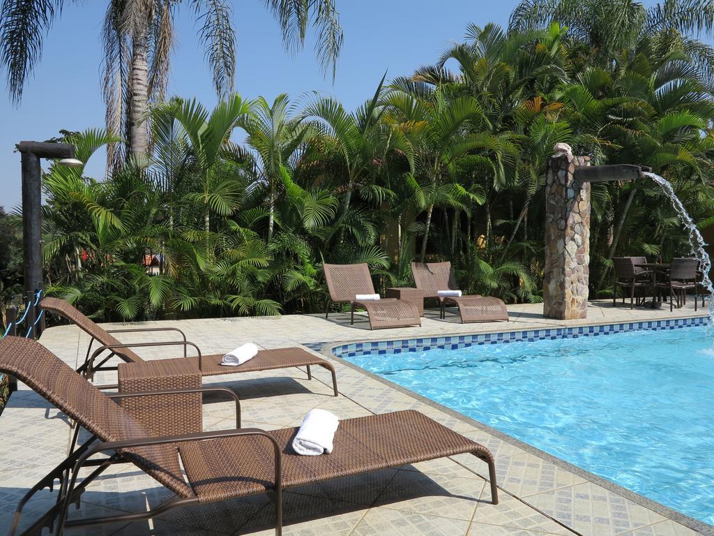 viagens-zen-no-brasil-pousada-recanto-da-grande-paz-piscina