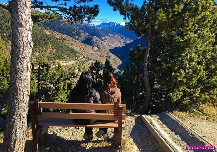 Mirante-em-Andorra-Roc-del-Quer-banco