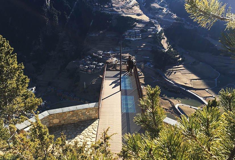 Tem Na Web - Mirante em Andorra: vistas incríveis de Roc del Quer - Estrangeira