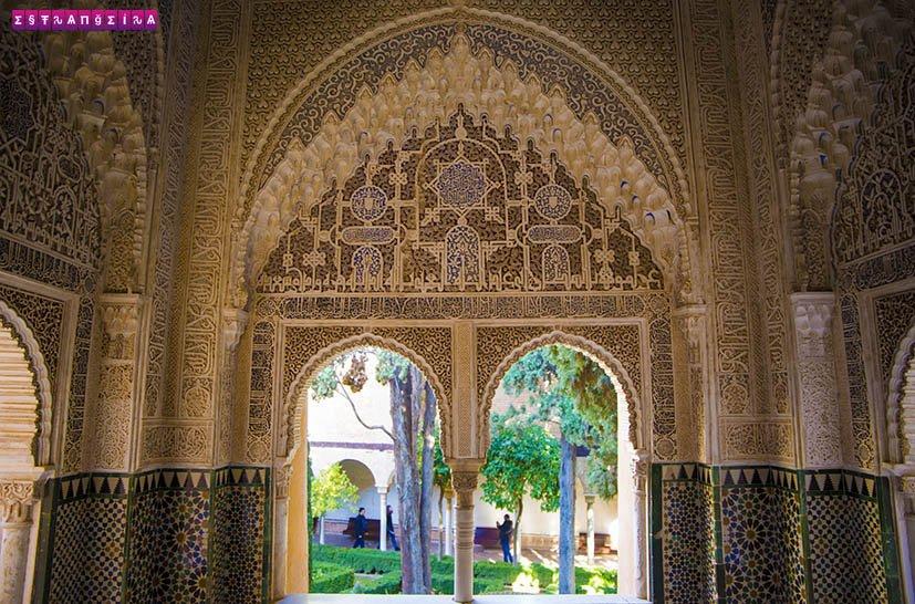 Tem Na Web - Visitar Alhambra em Granada: tudo o que você precisa saber - Estrangeira