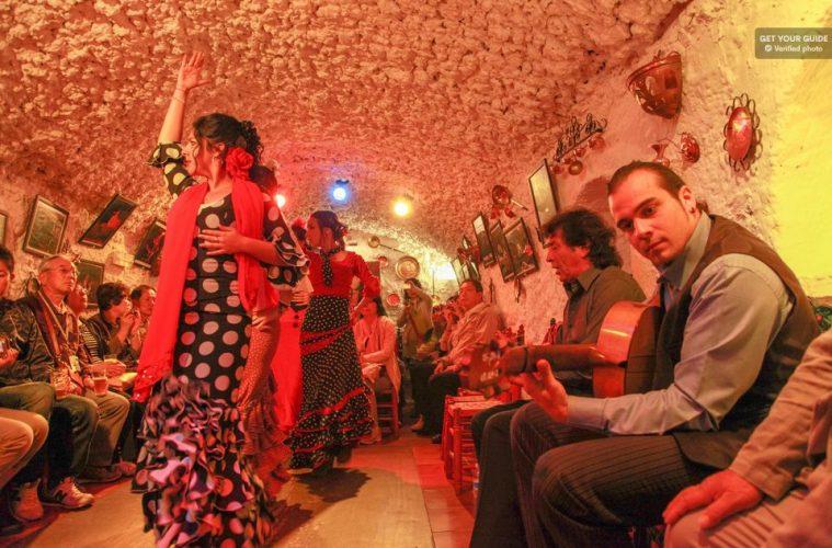 flamenco-em-granada-cueva-los-tarantos-sacromonte