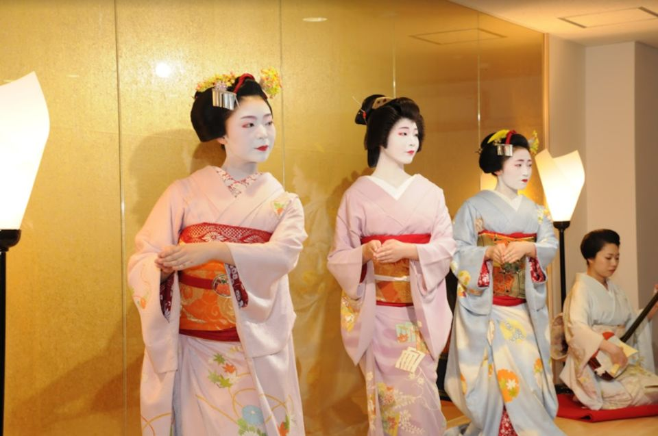 gueixas-no-japao-maiko-theatre
