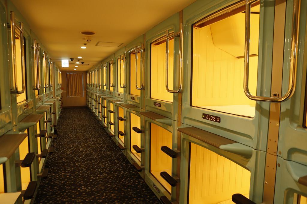 hotel-capsula-toquio