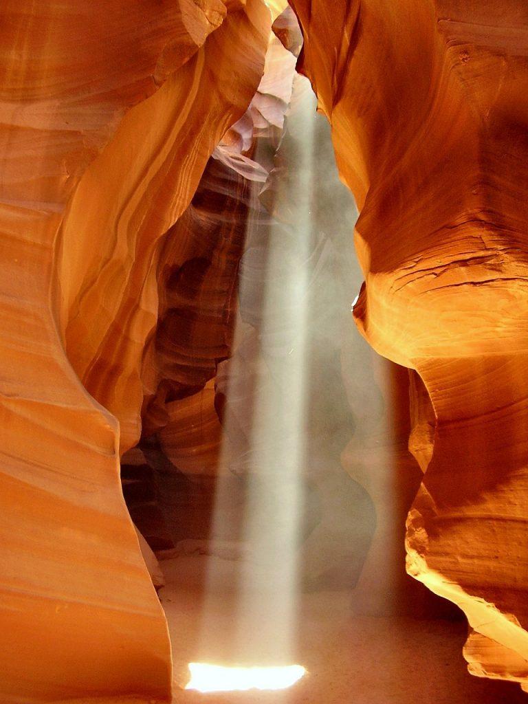 antelope-canyon-tour-feixe-luz