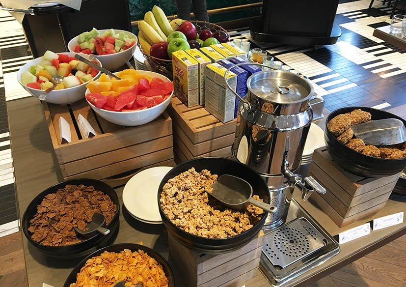 Kimpton-Blythswood-Square-hotel-cafe-da-manha