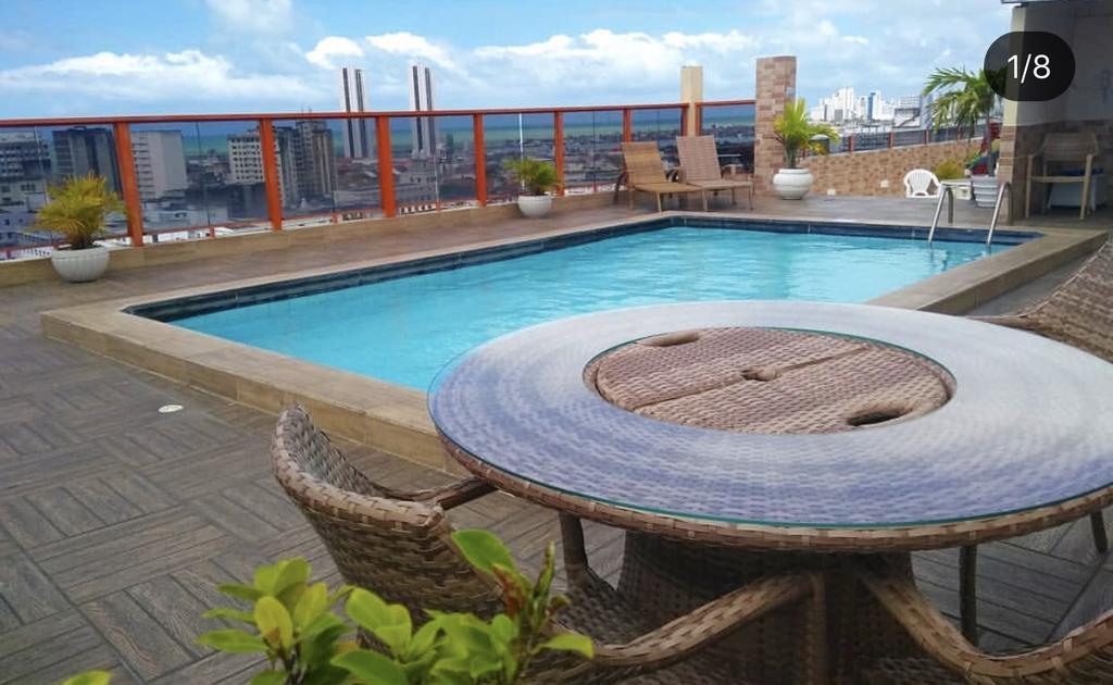 onde-ficar-em-recife-plaza-hotel-piscina