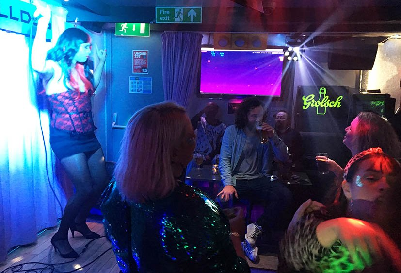 brighton-lgbt-bar-bulldog-karaoke