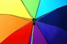 guarda chuva lgbt arco iris