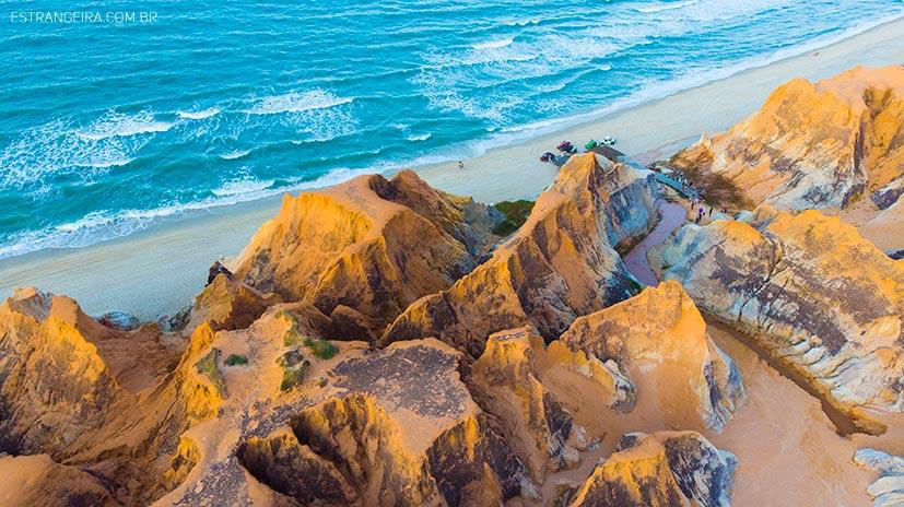 falesias de Morro branco e mar vistos do do alto