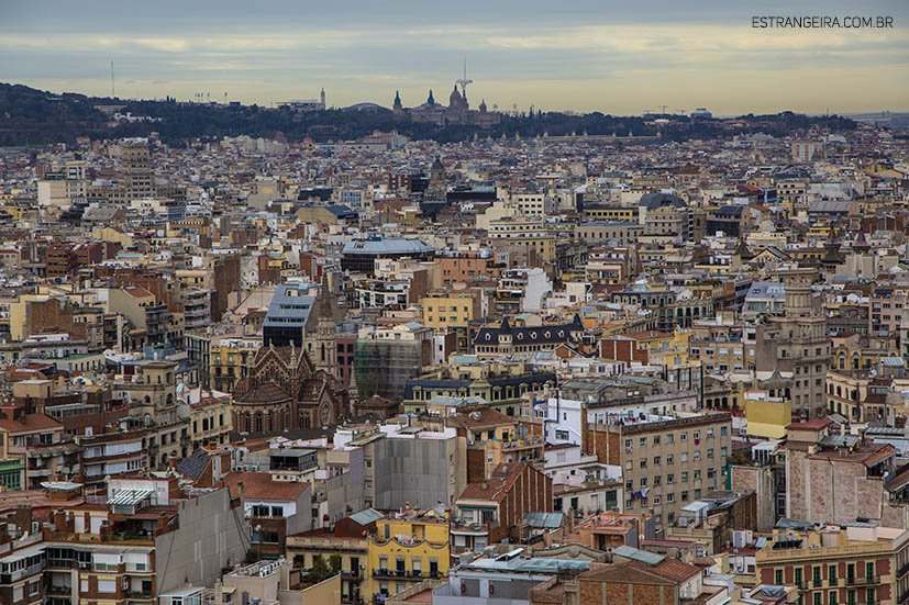 torres-sagrada-familia-barcelona-vista