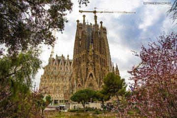 orres-sagrada-familia-barcelona-externa